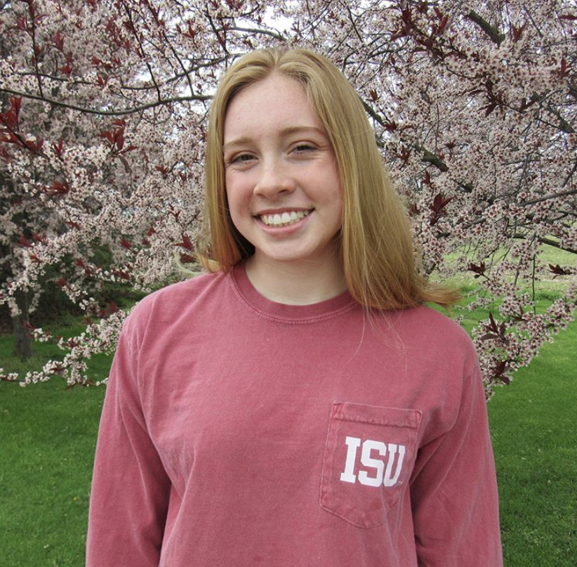 Emma Feltzer commits to Illinois State University Swimming for the 2021-2022 season
